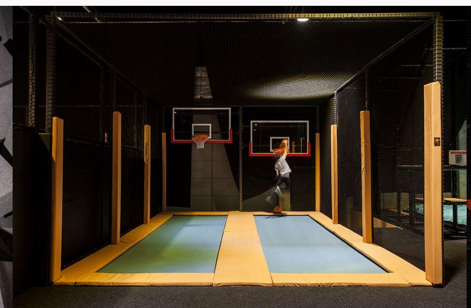 Trampoline Basketballcourt