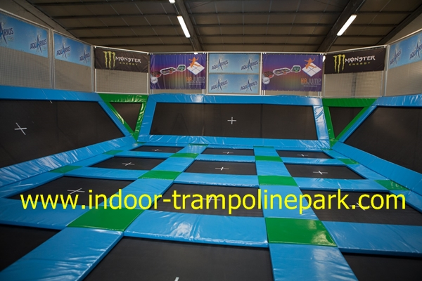 trampoline parc en france cournon d 39 auvergne ouvre ses. Black Bedroom Furniture Sets. Home Design Ideas